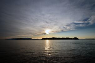 夕暮の和歌山湾の写真素材 [FYI01171749]
