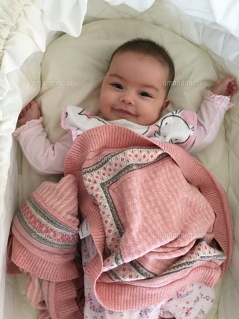 こんにちは赤ちゃんの写真素材 [FYI01172092]