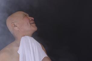 シニア入浴のイメージの写真素材 [FYI01173409]