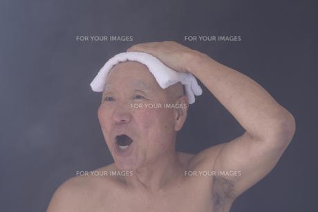 シニア入浴のイメージの写真素材 [FYI01173418]