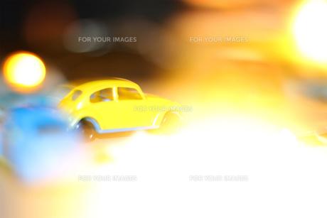 黄色いクルマの写真素材 [FYI01174097]
