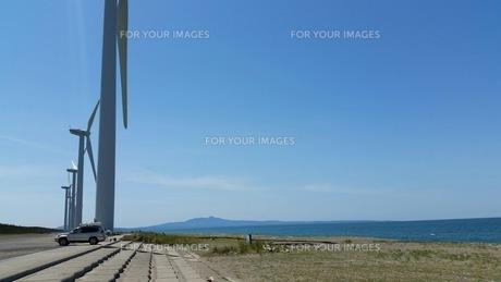 海 風車の写真素材 [FYI01175435]