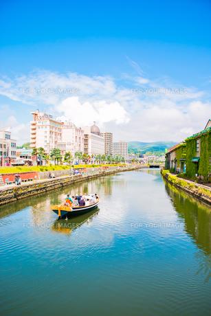 初夏の小樽運河の写真素材 [FYI01175742]