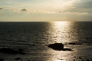 光る海の写真素材 [FYI01176347]