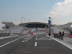 横浜港大さん橋国際客船ターミナル 入り口の写真素材 [FYI01176437]