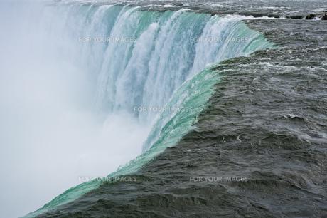 ナイアガラの滝 滝の写真素材 [FYI01177146]