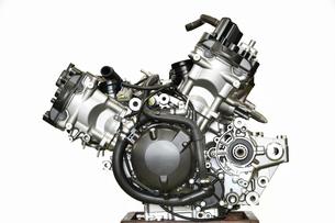 大型バイクエンジンの整備の写真素材 [FYI01178179]