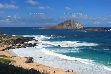 マカプー展望台からうさぎ岩 ハワイオアフ島の写真素材 [FYI01178436]
