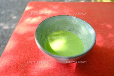 抹茶で一息の写真素材 [FYI01178587]