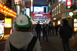 夜の歌舞伎町 の写真素材 [FYI01179434]