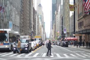 ニューヨークの交差点の写真素材 [FYI01179585]