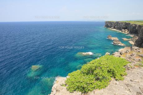 真栄田岬 沖縄本島の写真素材 [FYI01179933]