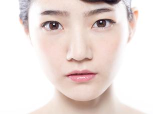 女性の正面の顔の写真素材 [FYI01180012]