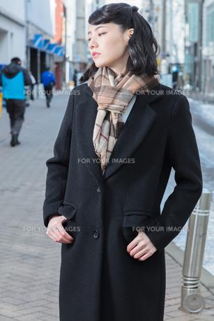 女性ファッションイメージの写真素材 [FYI01180545]