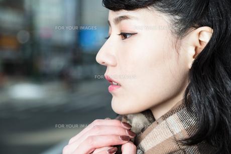女性ファッションイメージの写真素材 [FYI01180559]