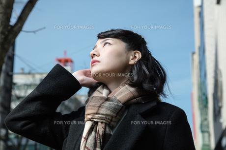 女性ファッションイメージの写真素材 [FYI01180562]