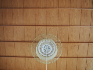 和室の天井と照明の写真素材 [FYI01181448]