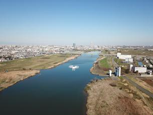 江戸川上空のドローンの写真素材 [FYI01181895]