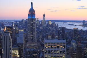 ニューヨーク街 夕景の写真素材 [FYI01181899]