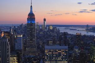 ニューヨーク街 夕景の写真素材 [FYI01181900]