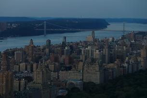 ニューヨーク街 夕景の写真素材 [FYI01181915]