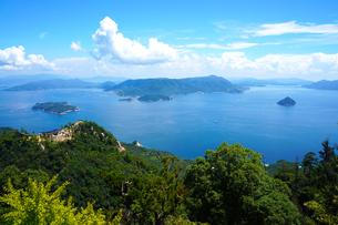 宮島弥山から瀬戸内海を望むの写真素材 [FYI01182690]