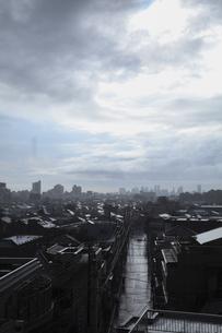 雨上がりの町の写真素材 [FYI01182703]