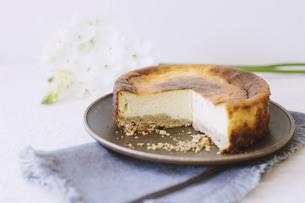 ベイクドチーズケーキの写真素材 [FYI01182854]
