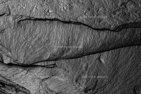 黒い石,バックグラウンドの写真素材 [FYI01183010]
