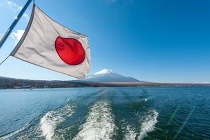 富士山と日の丸の写真素材 [FYI01183111]