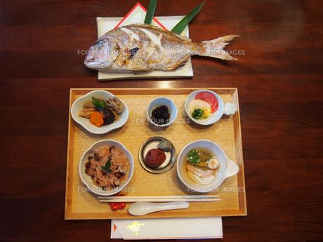 お食い初めの料理の写真素材 [FYI01183446]