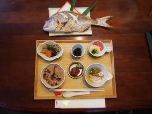 お食い初めの料理の写真素材 [FYI01183467]