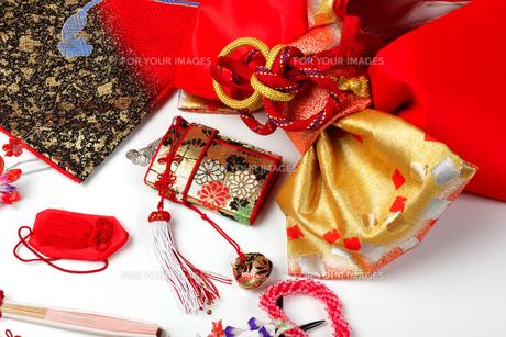 七五三 和服 小物用品の写真素材 [FYI01183498]