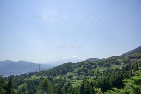 初夏の山岳風景の写真素材 [FYI01183730]