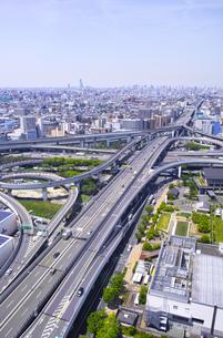 高速道路のインターチェンジの写真素材 [FYI01183758]