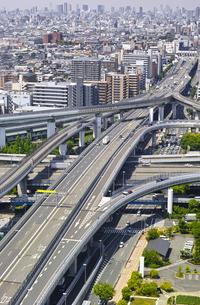 高速道路のインターチェンジの写真素材 [FYI01183762]