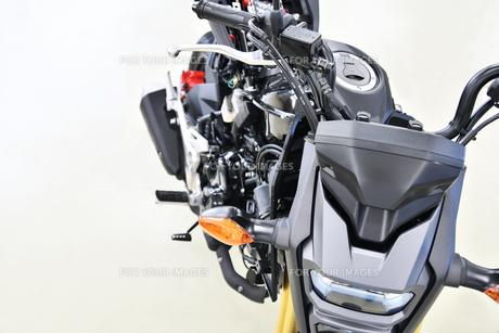 整備中のオートバイの写真素材 [FYI01184068]