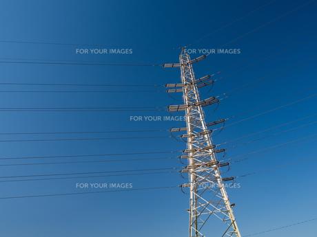 送電線の写真素材 [FYI01184375]