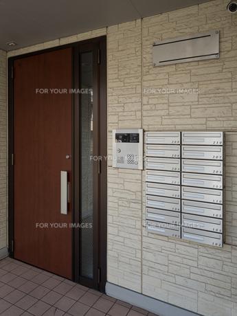 集合住宅の集合ポストの写真素材 [FYI01184399]