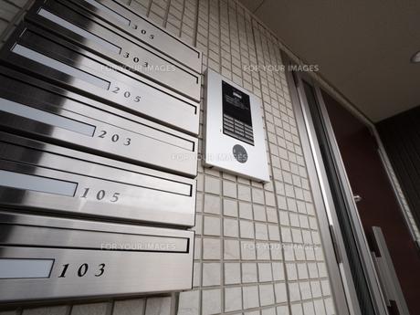 集合住宅の集合ポストの写真素材 [FYI01184405]