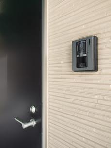 玄関のインターフォンの写真素材 [FYI01184416]