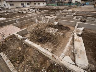 住宅街の再開発工事の写真素材 [FYI01184571]