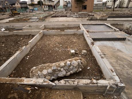 住宅街の再開発工事の写真素材 [FYI01184572]
