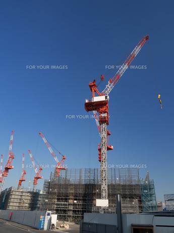 高層ビルの建設現場の写真素材 [FYI01185054]