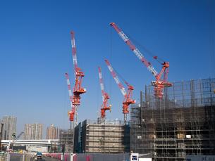 高層ビルの建設現場の写真素材 [FYI01185058]