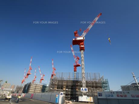 高層ビルの建設現場の写真素材 [FYI01185060]