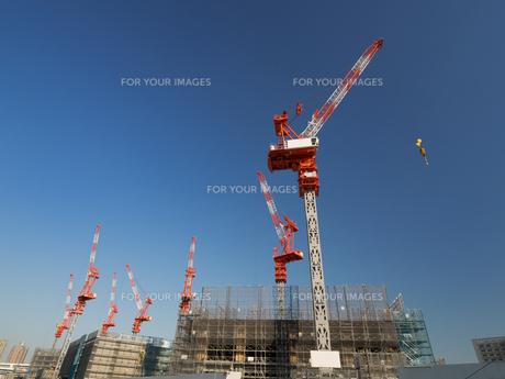 高層ビルの建設現場の写真素材 [FYI01185062]