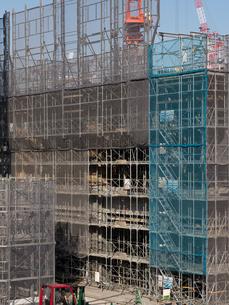 高層ビルの建設現場の写真素材 [FYI01185066]