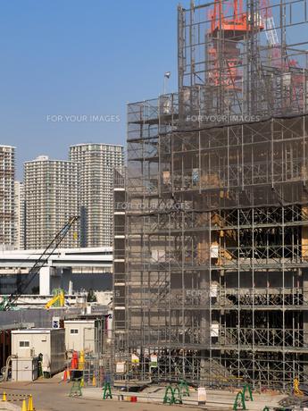 高層ビルの建設現場の写真素材 [FYI01185067]