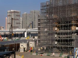 高層ビルの建設現場の写真素材 [FYI01185068]
